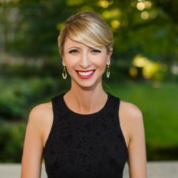 Amy Cuddy, Harvard Social Psychologist and speaker teaches about the science of first impressions